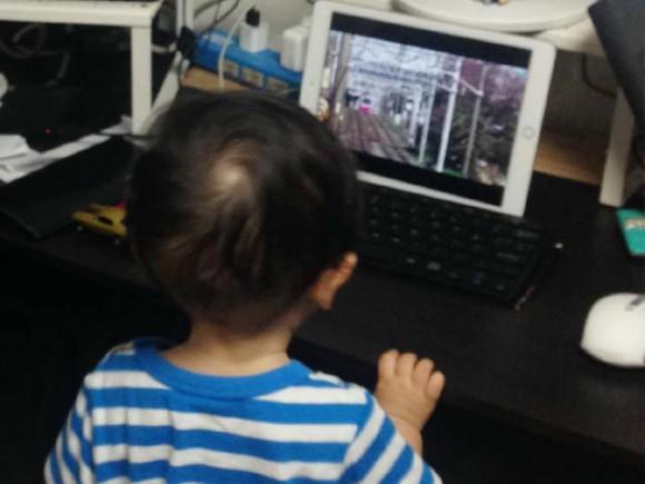 child_loves_ipad